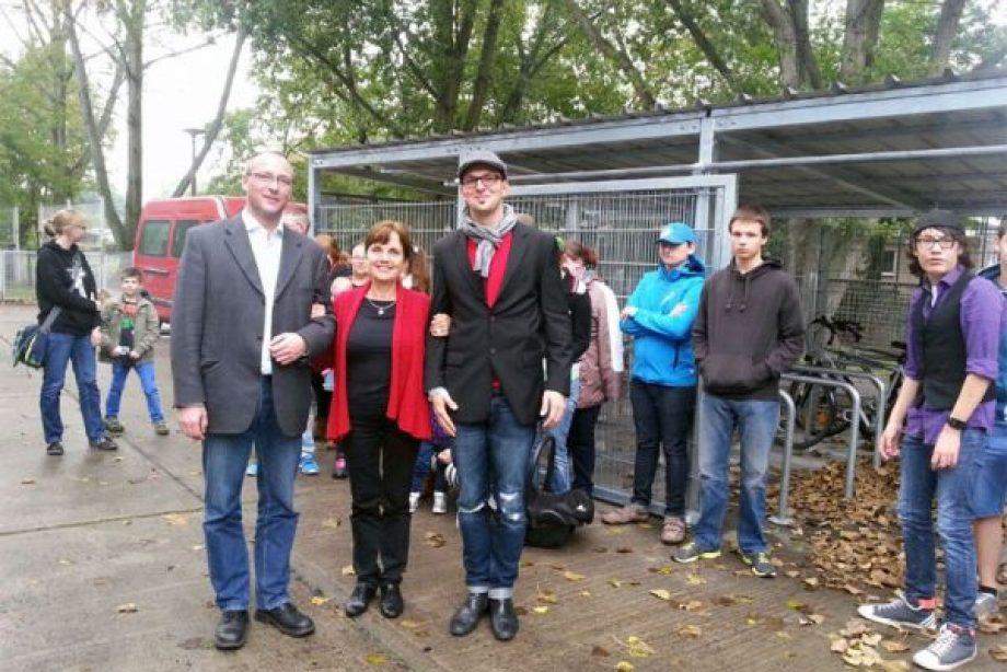 Einweihung eines Fahrradschuppens für Kinderheim Janusz Korzcak, Berlin
